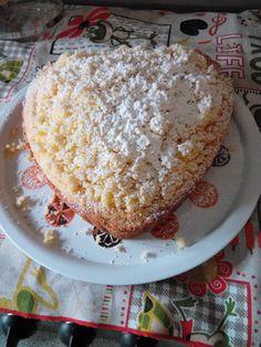 La torta mimosa è un classico, ma anche chi non ama il pan di Spagna o non lo sa fare, può prepararla con soddisfazione!