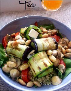 Een lekker en gezond recept voor couscoussalade met feta kaas en gegrilde groenten. Met o.a. aubergine, courgette, champignons, amandelen en nog veel meer.