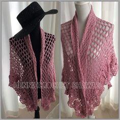 Gehaakte sjaal, omslagdoek, crochet Shawl, wrap,triangle Shawl. Stole pink withe a subtile glitter