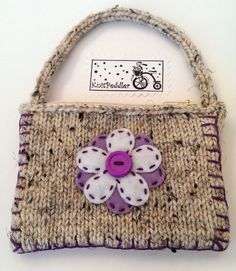 SALE! 20% OFF Flower Coin Purse - Cute Flower Change Purse, Violet Knit Coin Purse - Oatmeal Yarn - Violet and White Felt Flower