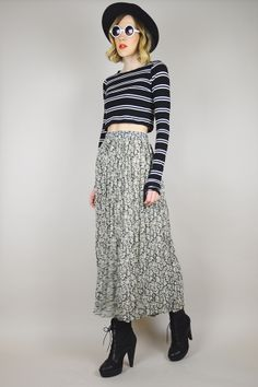 90's ditzy floral skirt // noirohio vintage