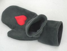 #dawandawalentynki. MADA 4 Rękawiczka dwuosobowa dla zakochanych - Magdalena-made-by-hand - Prezenty na Walentynki