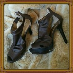 Darling brown super heels Have some fun in these chocolate brown 5 inch heel shoes. Zip up back. J KUO Shoes Heels