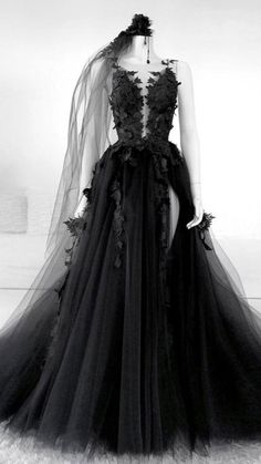 Backless Evening Gowns, Evening Dresses, Backless Prom Dresses, Prom Dresses Blue, Dresses Uk, Dresses Online, Prom Dress Black, Dress Long, Black Gothic Dress
