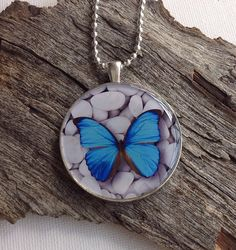 Resin pendant necklace, resin jewellery, pendant necklace, fashion jewellery, nature necklace