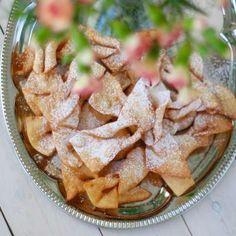 Przepis na Faworki II Polish Recipes, Polish Food, Old Plates, Food Platters, Old Recipes, Apple Pie, Potato Salad, Sweet Treats, Ice Cream