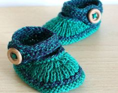 Hand Knitted Baby Booties - ready to wear (size 0-6 months)