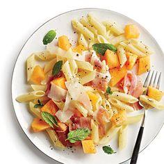 Low-Calorie Pasta Salads - Easy Pasta Salad Recipes for 250 Calories Low Calorie Pasta, No Calorie Foods, Low Calorie Recipes, Healthy Recipes, Side Recipes, Healthy Options, Lunch Recipes, Healthy Meals, Healthy Food