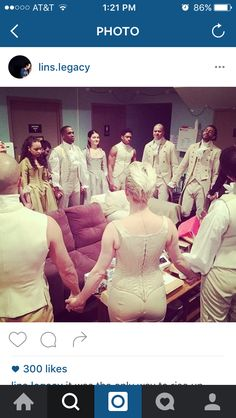 The cast of Hamilton praying before the show!!