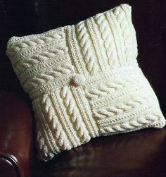 PRETTY ARAN CUSHION COVER  PATTERN EASY MAKE FROM 8 SQUARES        (418)