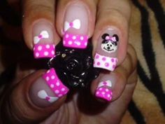 Pink Minnie Mouse nail art video how to Minnie Mouse Nail Art, Mickey Y Minnie, Pink Minnie, Toe Nails, Pink Nails, Glitter Nails, Gel French Manicure, Good Birthday Presents, Nail Art Videos
