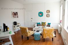 love this office/studio for photographer