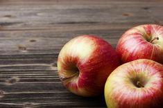 Az alma és az almaecet nagyon sok olyan enzimet tartalmaz, melyek megkönnyítik az emésztést, sőt, a gyümölcs pektin-, azaz növényirost-tartalma is kiemelkedő. A béltisztítás öt napján a nap bármely szakaszára elosztva fogyassz el legalább öt-hat közepes almát. Ez segít megfékezni az éhséget, így jóllakottabb leszel, és akár egy kilót is fogyhatsz a más nassolnivalók mellőzésének köszönhetően. Az almaecet emésztésserkentő hatásának kihasználására minden nap adj egy evőkanálnyit belőle…