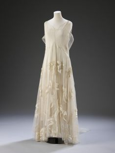 Evening Dress Madeleine Vionnet, 1935 The Victoria & Albert Museum