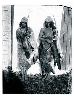 Grupo étnico: Selk'nam Autor: Fernand Lahille Año: 1900-1908