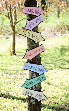 Alice in Wonderland/Mad Hatter party signsNEW by kutekardz on Etsy, $18.50