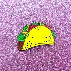 Taco Enamel Pin Lapel Pin Taco Illustration por HeatherBuchanan