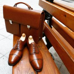 http://chicerman.com  ascotshoes:  How about these Vass MTO to complement your Vass Briefcase I  Ascot Shoes is a British based shop specialising in hand made Vass Shoes. Email Sammy for advice on Sizing Fitting & Made To Order Prices.  Ascotshoes@outlook.com   Whatsapp: 447970164988  Vass MTO Prices from USD $695  #sartorial #finestshoes #shoegazing #shoeporn #killerheels #highendshoes #handwelted #ascotshoes #classicshoes #cigarporn #englishshoes #mensfashion #rollsroyce #dandy #watchporn…