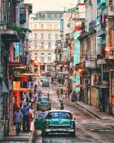 Colour in the streets of Havana, Cuba. Author: Çağlar Sarıkoç