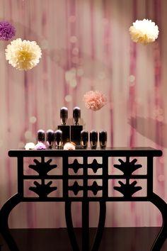 #Shiseido Future Solution LX Ultimate Regenerating Serum Schaufenster-Dekoration anlässlich der Eröffnung der KaDeWe Beauty World im Herbst 2012.