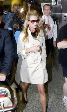 Kate Moss arrives at Miami Airport - 02/02/06