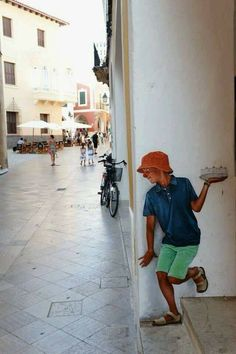 Street Art, commonly called chalk art is multi-dimensional artwork done on the streets. This Chalk art will take your breath away 3d Street Art, Street Art Graffiti, Graffiti Kunst, Urban Street Art, Murals Street Art, Amazing Street Art, Street Artists, Urban Art, Urban Graffiti