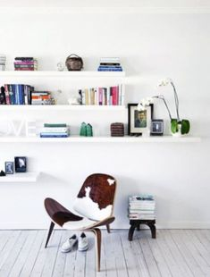 Miraculous Useful Tips: Ikea Floating Shelves White floating shelf nightstand color schemes.Floating Shelf Over Tv Mantles white floating shelves bathroom. Ikea Lack Shelves, Lack Shelf, Black Floating Shelves, Industrial Floating Shelves, Floating Shelves Bedroom, Floating Shelves Kitchen, Rustic Floating Shelves, Floating Shelves Entertainment Center, Ideas Para Organizar