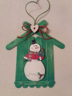 Christmas ideas Learn how to make Easy Christmas Crafts for Kids with these amazing Popsicle Stick Christmas Ornaments. Easy Christmas Ornaments, Christmas Crafts For Kids To Make, Christmas Decorations To Make, Christmas Fun, Holiday Crafts, Spring Crafts, Popsicle Stick Crafts, Craft Stick Crafts, Snowman Crafts