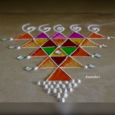 Try these Easy-peasy n stylish Rangoli to decorate your Doors, Staircase n Alleys. Very Easy Rangoli Designs, Indian Rangoli Designs, Rangoli Designs Latest, Simple Rangoli Designs Images, Rangoli Designs Flower, Rangoli Border Designs, Small Rangoli Design, Rangoli Designs With Dots, Beautiful Rangoli Designs