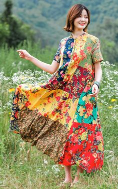 Sunny in a field of flowers. Casual Summer Dresses, Summer Dresses For Women, Cotton Blouses, Cotton Dresses, Loose Dresses, Maxi Dresses, Floral Plus Size Dresses, Dress Stand, Yellow Print