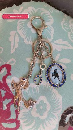 Porte clés thème équestre #CommandePersonnalisée  Tous droits réservés La Boîte de Pandore by Melinda