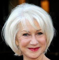 Helen Mirren's straight, platinum blonde hair is cut in a classic . Bob Hairstyles With Bangs, Wedge Hairstyles, Mom Hairstyles, Short Hairstyles For Women, Short Haircuts, Hairstyles Pictures, Blonde Pixie, Helen Mirren Hair, Curly Hair Styles