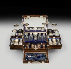AN EXCEPTIONAL TRAVELLING CASE BY THORNHILL