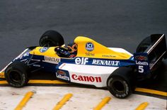 Thierry Marc Boutsen (BEL) (Canon Williams Team), Williams FW13B - Renault RS2 3.5 V10 1990