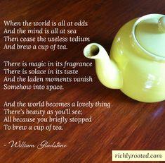 Easy Caffeine-Free Cinnamon Vanilla Tea Recipe - - Enjoy a cozy cinnamon-vanilla rooibos tea with this recipe! It's completely caffeine free, so you can drink it any time of day--and your kids can, too. Chai, Vanilla Tea, Cuppa Tea, Tea Art, Tea Blends, My Cup Of Tea, Tea Recipes, High Tea, T 4