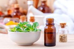 Catch the oregano oil benefits? Are you confused? I think most of are not familiar with the oregano oil. Oregano, the aromatic herb usually use to flavor Essential Oils For Cough, Oregano Essential Oil, Oil For Cough, Yeast Infection Home Remedy, Fungal Infection, Oregano Oil Benefits, Herbs For Anxiety, Natural Antibiotics, Natural Home Remedies