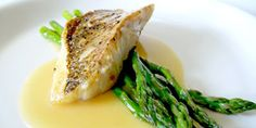 Red Snapper with Lemon Beurre Blanc & Asparagus Recipes Grilled Trout, Grilled Fish Recipes, Salmon Recipes, Asparagus Tomato Recipe, Salmon And Asparagus, Fish Dishes, Seafood Dishes, Tasty Dishes, Wine Butter