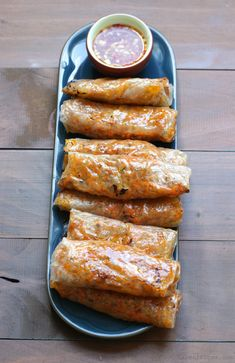 Baked Dumpling Rolls w/ Ginger Chilli Dipping Sauce.#gardener #homemades #foodrecipes #foodlove #healthyfood #bestfood #veggyfoods #healthy #organiclife Baked Spring Rolls, Chicken Spring Rolls, Baked Rolls, Rice Paper Spring Rolls, Rice Paper Recipes, Rice Paper Rolls Fillings, Chili Sauce, Appetizer Recipes, Italian Appetizers