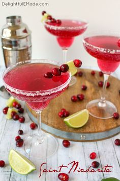 Top 5 Oscars-Inspired Cocktails Top 5 Oscars Cocktail Ideas: The Leading Lady is a fun raspberry twist on the lemon drop cocktail. Oh so pretty in pink! Get even more Oscars recipes here. Champagne Drinks, Vodka Cocktails, Cocktail Drinks, Cocktail Ideas, Martinis, Party Drinks, Fun Drinks, Alcoholic Drinks, Liquor Drinks