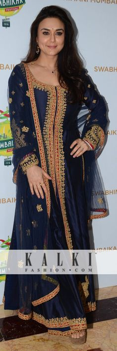 Preity Zinta: The 'Dimple girl' of Bollywood was seen dazzling in a royal blue anarkali with embellishing work. Not much to everyone's surprise she was swaying in elegance with her royal style.