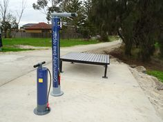 The Cycla Fixit bike repair station is perfect for cyclists of all kinds, making it the ideal solution for installation at any bicycle parking facility or public place. Bike Locker, Bike Pump, Bike Parking, Stainless Steel Cable, Flat Tire, Wayfinding Signage, Basic Tools, Surface Area, Pumps
