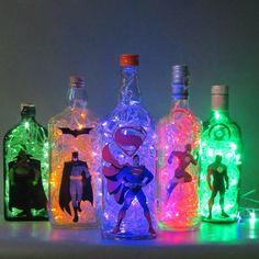 Luminárias de garrafa Liga da Justiça
