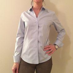 Jones New York Shirt size 6P like new condition, no iron Jones New York Tops Button Down Shirts