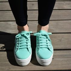 Chicas - AmorShoes Sneakers & Calzado Made in Spain Wedges, Sneakers, Clothes, Shoes, Fashion, Fashion Shoes, Flat Shoes, Espadrilles, Mint