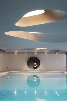 Hotel Swimming Pool, Swimming Pool Water, Indoor Swimming Pools, Swimming Pool Designs, Spa Lighting, Pool Water Features, Public Space Design, Building A Pool, Beautiful Pools