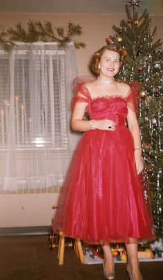 Photo of a woman in a red dress & Page Boy Vintage Hairstyle standing in front of the Christmas Tree. She is wearing beautiful Jewelry/ Vintage Jewelry. Real Christmas Tree, Old Fashioned Christmas, Christmas Past, Christmas Fashion, Christmas Pictures, Xmas Trees, Christmas Dance, Christmas Goodies, Christmas Carol