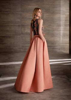 MG3010, Manu García Gala Dresses, Couture Dresses, Evening Dresses, Fashion Dresses, Elegant Dresses, Nice Dresses, Formal Dresses, Classy Gowns, Mom Dress