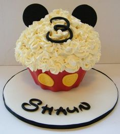 Mickey Mouse Giant Cupcake - Cake by Nicolette Pink - CakesDecor