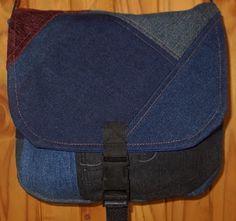 Susan's Bag Making Sewing To Sell, Recycled Denim, My Fb, Custom Bags, Zipper Pouch, Bag Making, Crossbody Bag, Messenger Bags, Cross Body