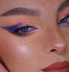 Makeup Eye Looks, Creative Makeup Looks, Blue Makeup, Pretty Makeup, Skin Makeup, Eyeshadow Makeup, Matte Eyeshadow, Eyeshadow Palette, Eyeliner